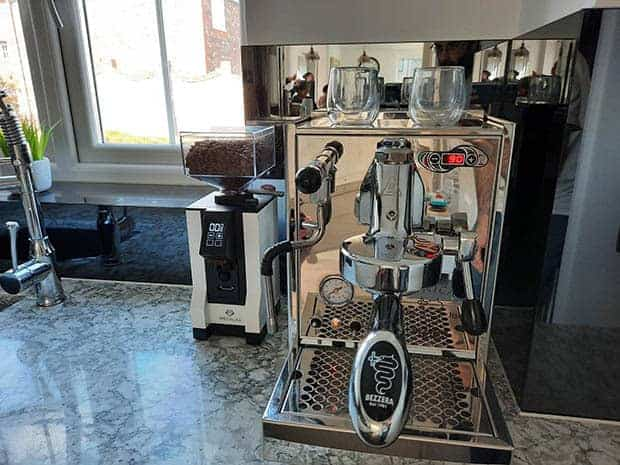 View of Bezzera Unica espresso machine from the front