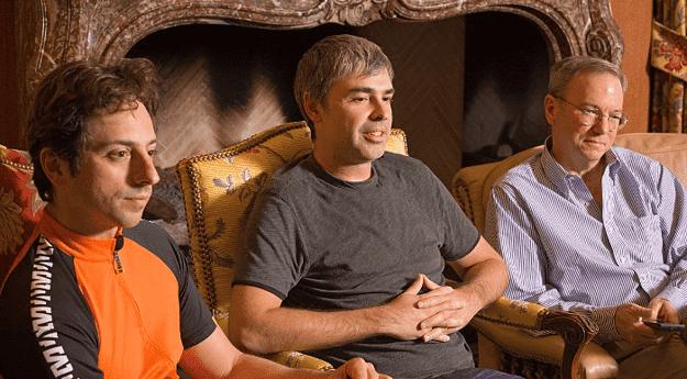 Sergey Brin, Larry Page y Eric Schmidt son algunos de los pocos poseedores de acciones clase B de Google/Alphabet