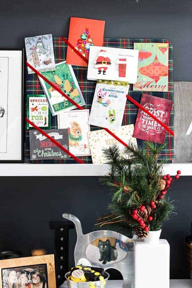 modern-traditional-scandinavian-christmas-home-card-board