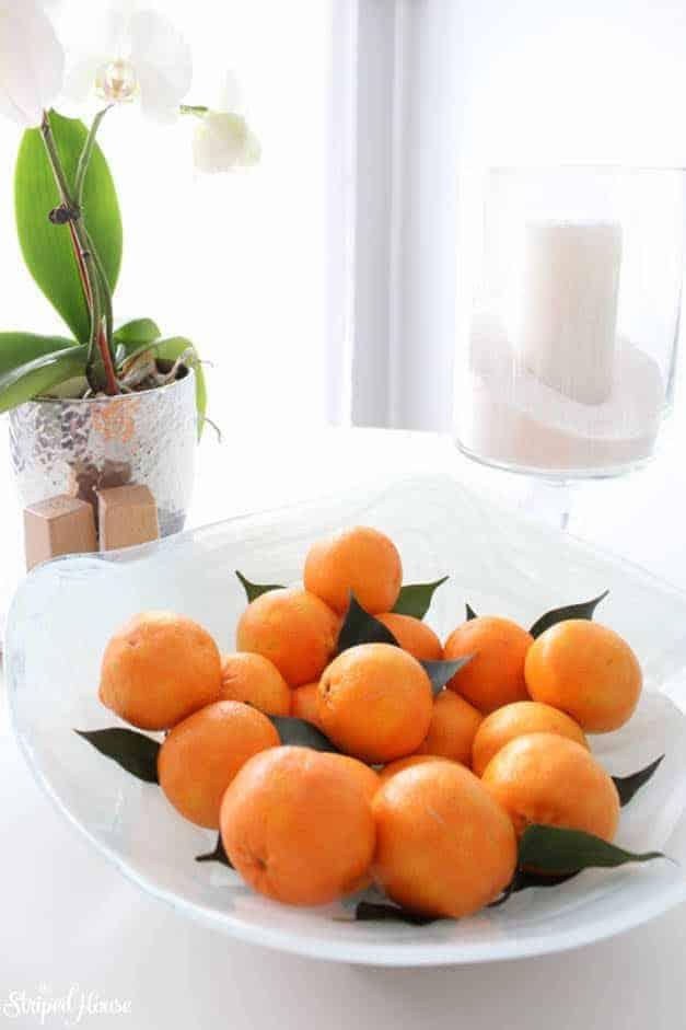 modern-traditional-scandinavian-christmas-home-kitchen-table-tangerines