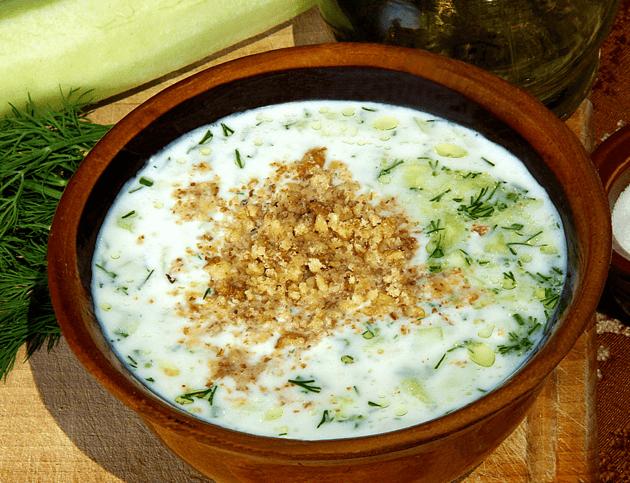 Tarator a base de yogur búlgaro