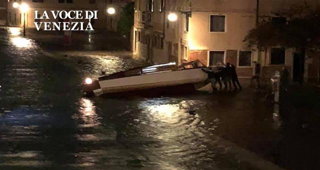 Acqua alta del 12/11/2019: cronaca di una notte da incubo a Venezia