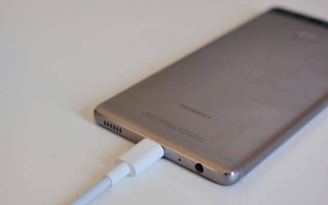 Huawei-P9-charging