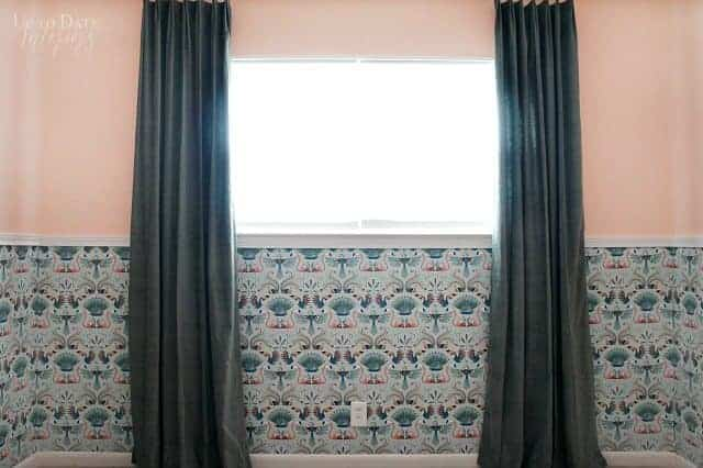 Modern Wallpaper With Molding