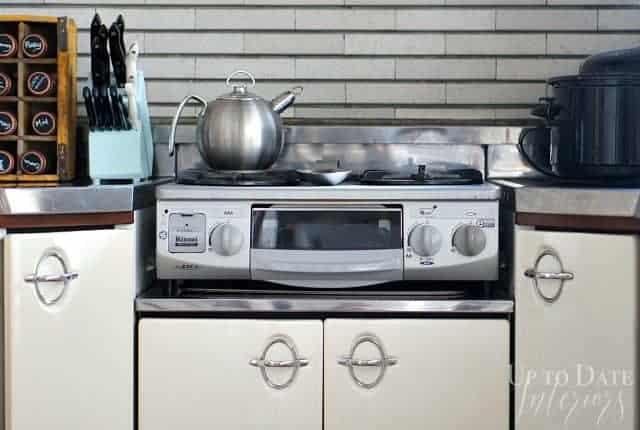 Japanese kitchen fish stove