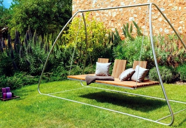 A swing to enjoy to view from