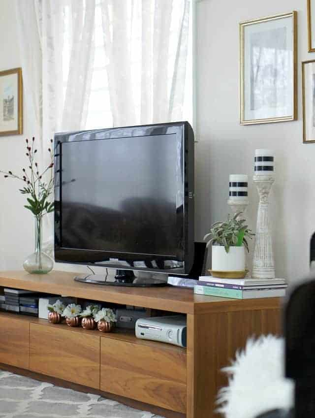 Easy And Creative Solutions For Tv Stand Decor Up To Date Interiors