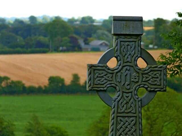 What is a Celtic cross and what does it mean.