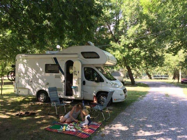 KAMPEERTIPS ONDERWEG  Caravan of camper? Wat zijn de voordelen en nadelen?