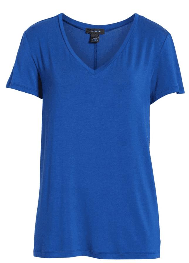 Basic tee - Capsule wardrobe essentials