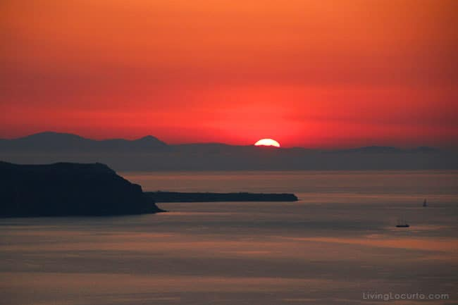Santorini Greece Sunset - Photo by LivingLocurto.com