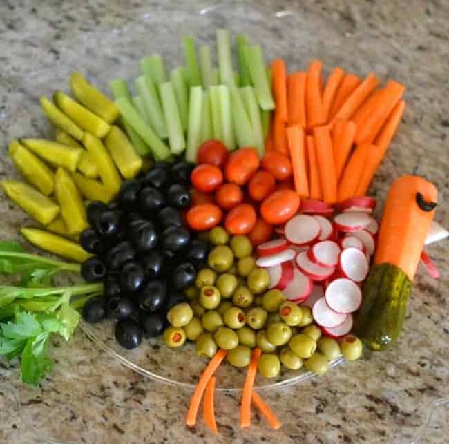 Enjoy a fun Thanksgiving Turkey Vegetable Tray and thoughts about being thankful!