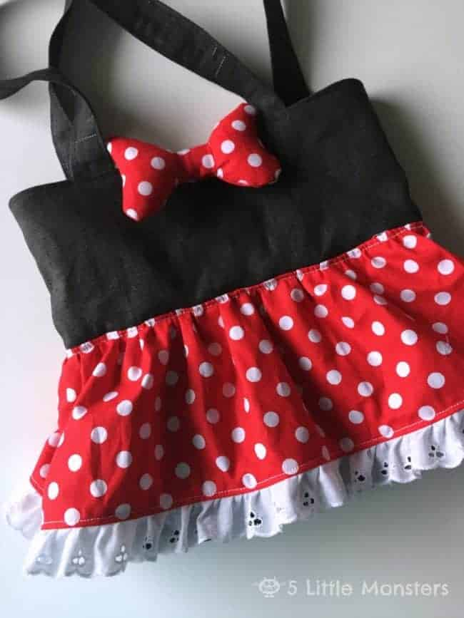 Minnie Mouse Tote Bag - The Ultimate List of Minnie Mouse Craft Ideas! Party Ideas, DIY Crafts and Disney themed fun food recipes.