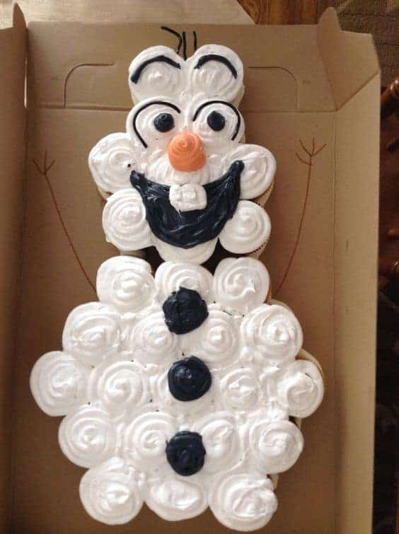 Disney Frozen Olaf cupcake cake. Best Birthday Pull Apart Cupcake Cakes. Simple creative cake inspiration for a birthday party celebration.
