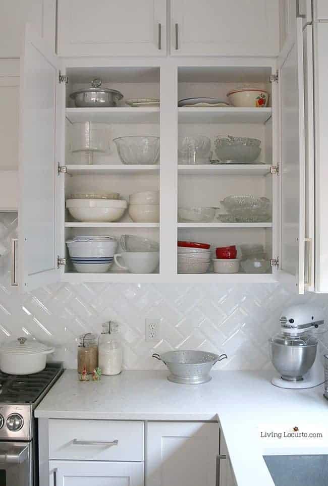 10 Clever Organization Ideas for Your Kitchen! Kitchen cabinet storage tips.