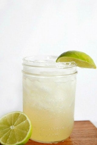 Skinny Margarita Recipe. The Best Margarita Recipes ever! From Strawberry and Blackberry to Pineapple and Coconut, you'll find a frozen cocktail perfect for party drink or a hot summer day! LivingLocurto.com