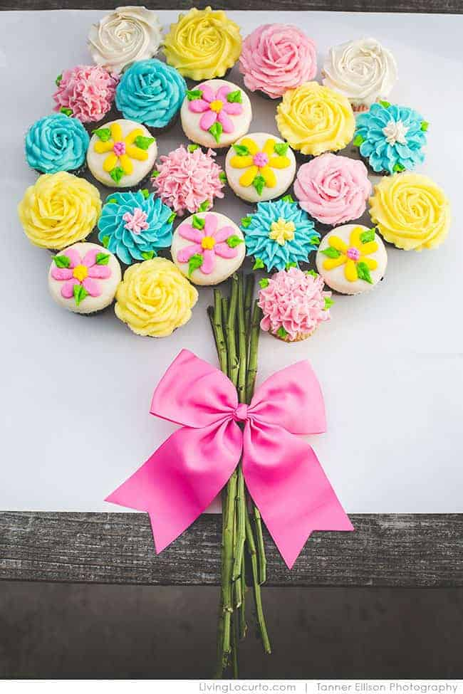 Flower Bouquet - Best Birthday Pull Apart Cupcake Cakes. Simple creative cake inspiration for a birthday party celebration.