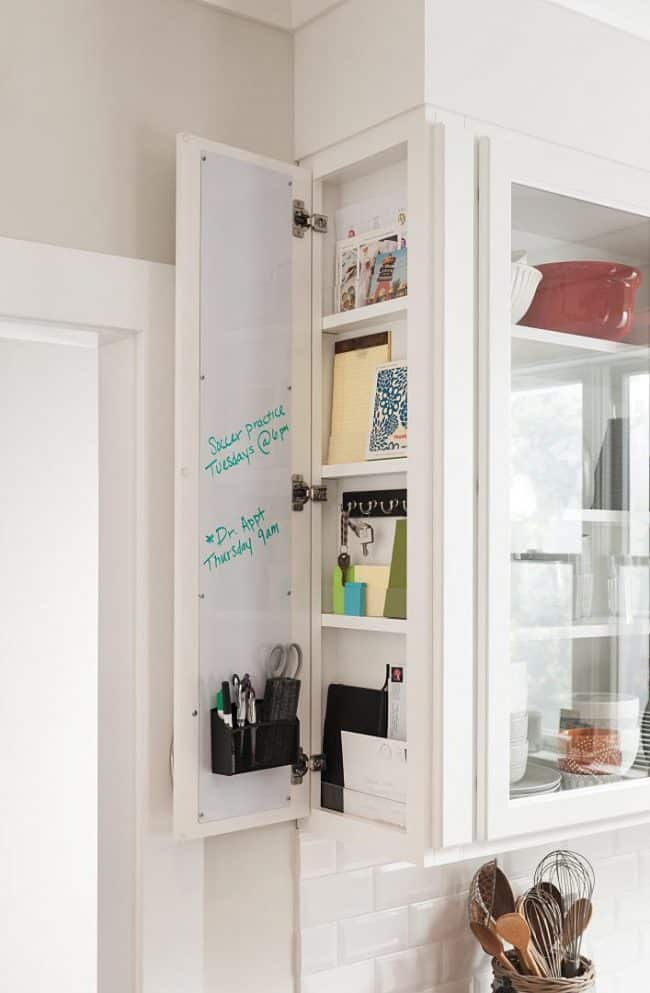 message board kitchen organization - How to choose the perfect kitchen cabinets! Whether you are choosing to upgrade a few things or remodeling your kitchen, these handy tips and kitchen cabinet ideas will help to get you started! LivingLocurto.com