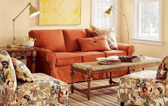 Comfortable-Living-Room-Modern-Couches-and-Sofa
