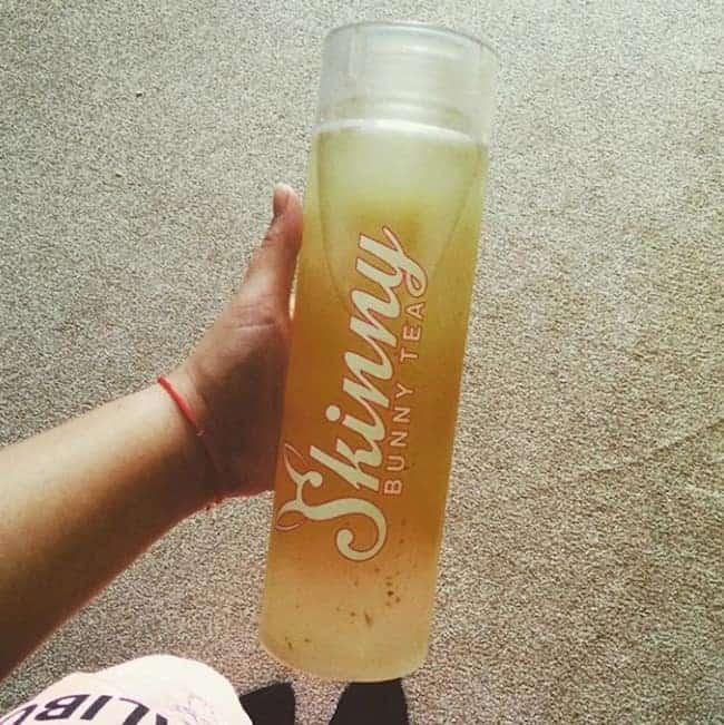 Schmackhaftes Detox Wasser mit Mango und Ingwer