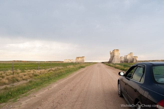 driving up to Monument Rocks