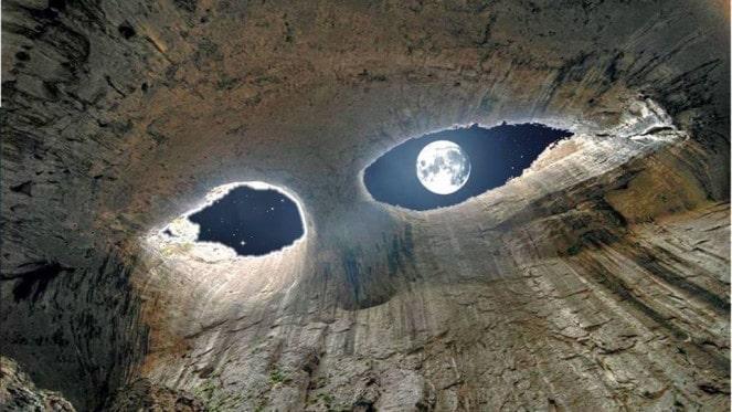 """""""Prohodna"""" :  La cueva de """" los Ojos de Dios """""""