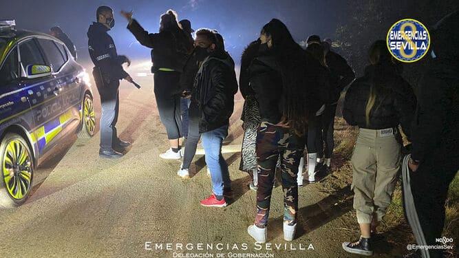 La Policía Local de Lora del Río disolvió este sábado una fiesta en la que participan 21 personas