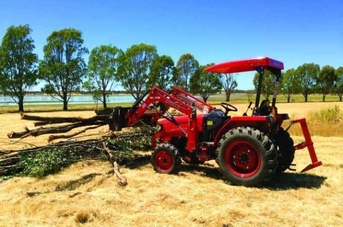 APOLLO 454 45hp tractor with 4-in-1 loader.