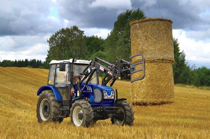 Farmtrac 690DT 90hp with bale grabs