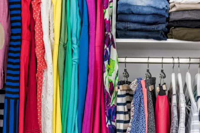 Closet Cleaning Checklist - Deep clean and organize your closet then keep it in shape with this checklist