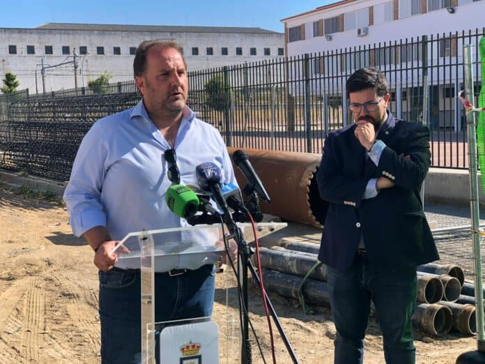 El alcalde tacha de irresponsable al exconcejal Álvaro Aranda