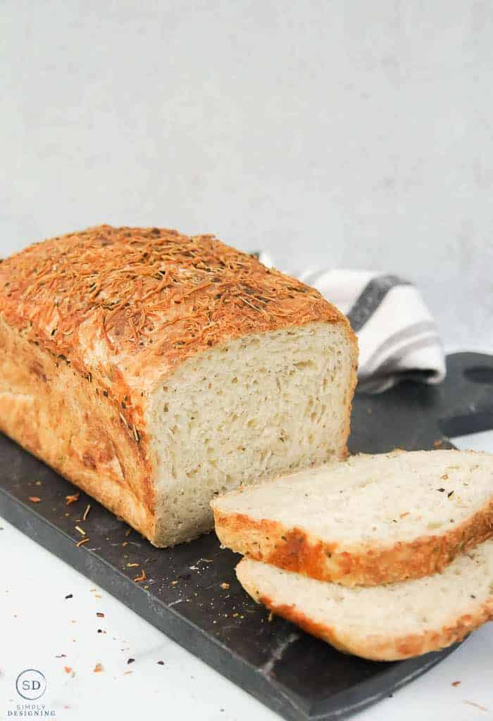 no-knead rosemary bread sliced looking at the front