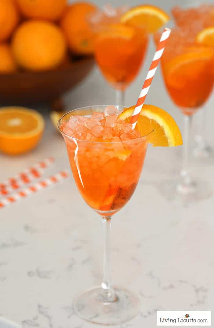 Easy Aperol Spritz Recipe a low calorie cocktail drink.