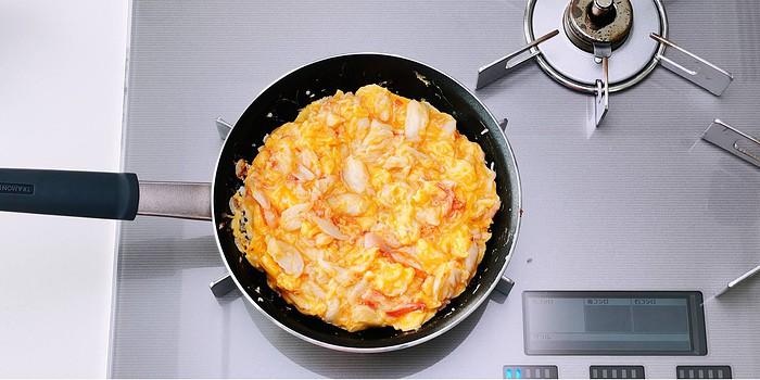Kanitama or crab and egg omelette.