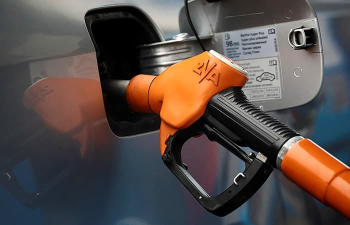 Цены на заправках Москвы ускорили рост и достигли 50,27 руб. за литр Аи-95