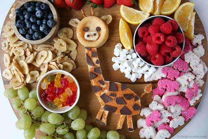No Bake Giraffe Cake Dessert Board Recipe - Birthday, Baby Shower or Doctor Dolittle movie snack