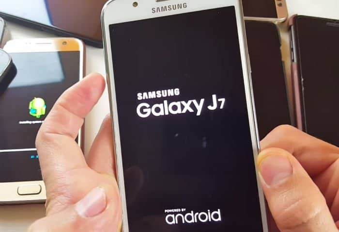 How to fix Samsung Galaxy J7 that's stuck on the boot screen