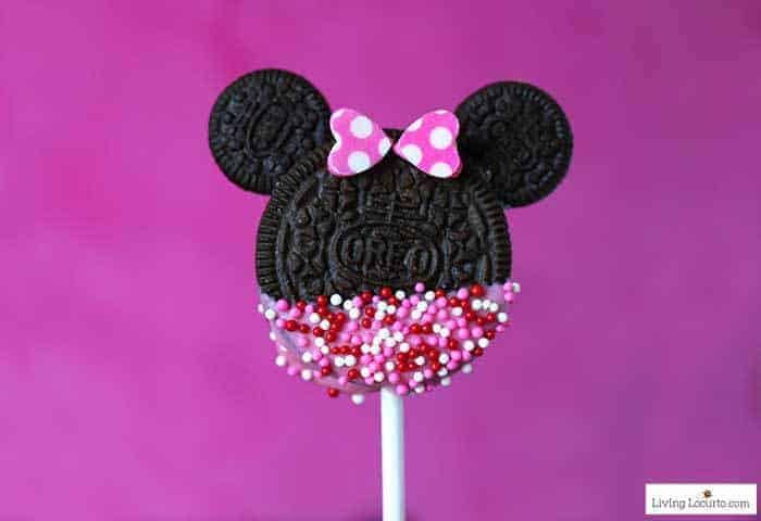 Easy Minnie Mouse Cookie Pops recipe!