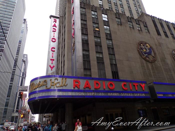 Kodak PIXPRO AZ401 Review -  Radio City Music Hall, NYC