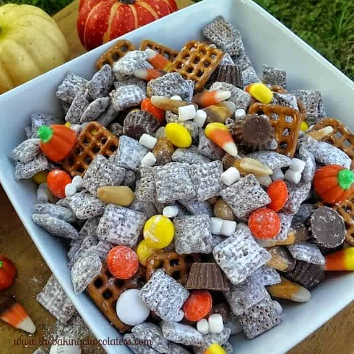 Halloween 'Party' Puppy Chow