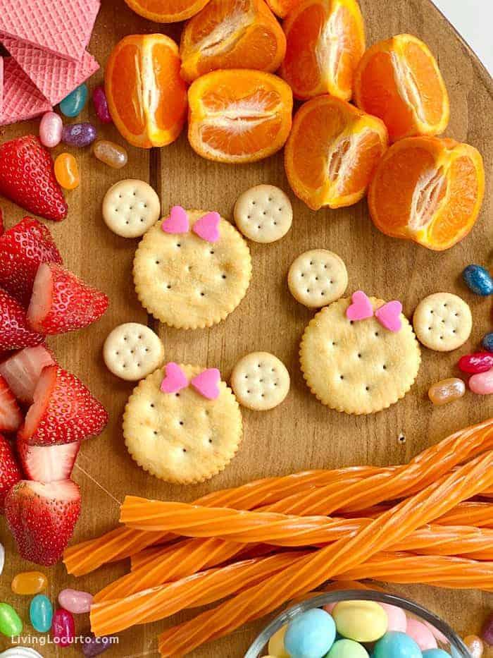 Disney dessert board Minnie Mouse Cracker Snacks