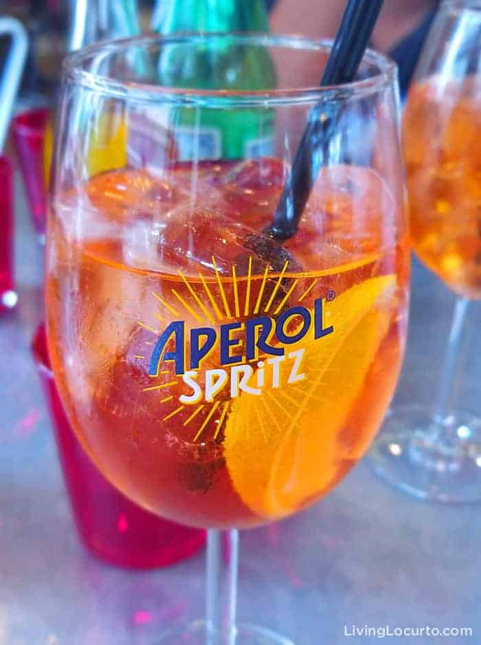 Aperol Spritz recipe is an easy skinny low calorie cocktail drink! A refreshing sparkling Italian cocktail with a delicious combination of sweet prosecco, bitter citrus flavors garnished with oranges.