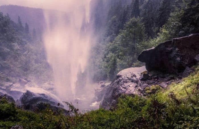 Wasserfall von hinten