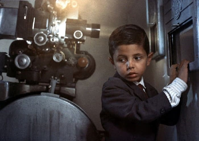 Screenshot of the film Cinema Paradiso by Giuseppe Tornatore.