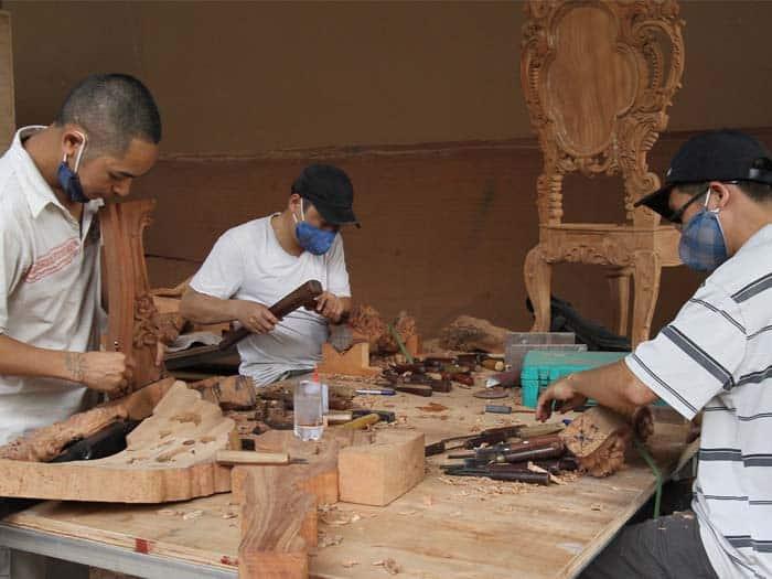 Thợ chạm khắc xưởng mộc minh đức