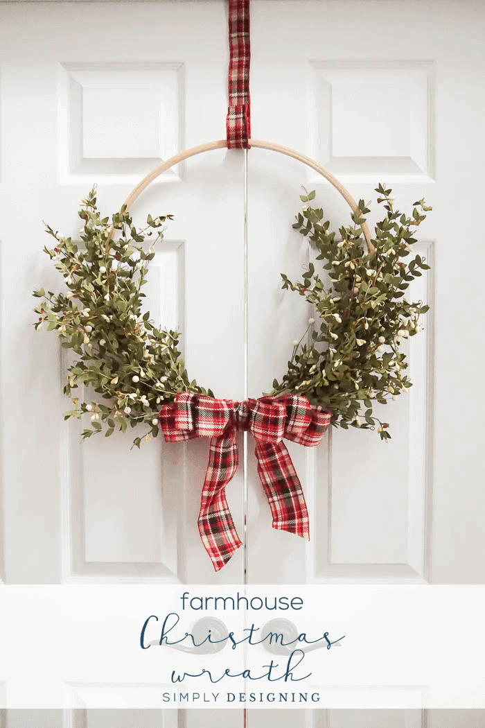 Farmhouse Hoop Christmas Wreath - an easy and beautiful DIY Christmas Wreath