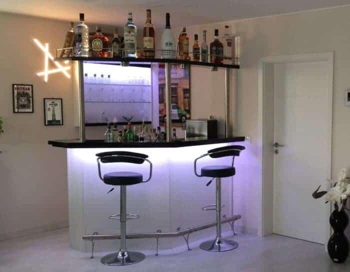 Hausbar Clearlight mit Flaschenbord Variante Rechts
