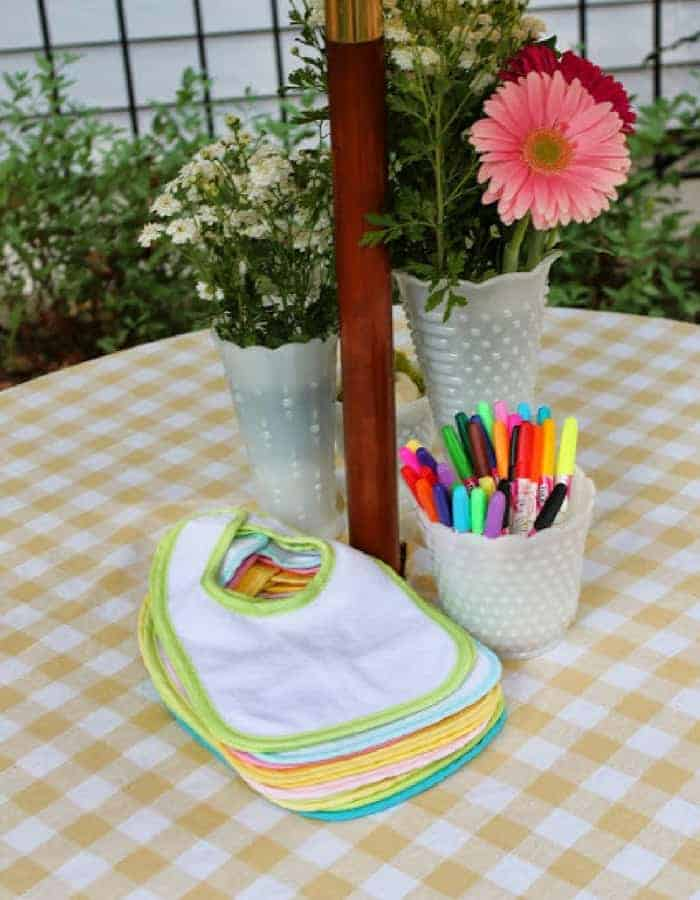 BIB DECORATING - Refreshing baby shower game ideas, printables and more so you can plan the best baby shower! Baby shower games for women, men and couples.