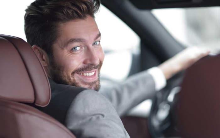 Řidič auta - obrázek