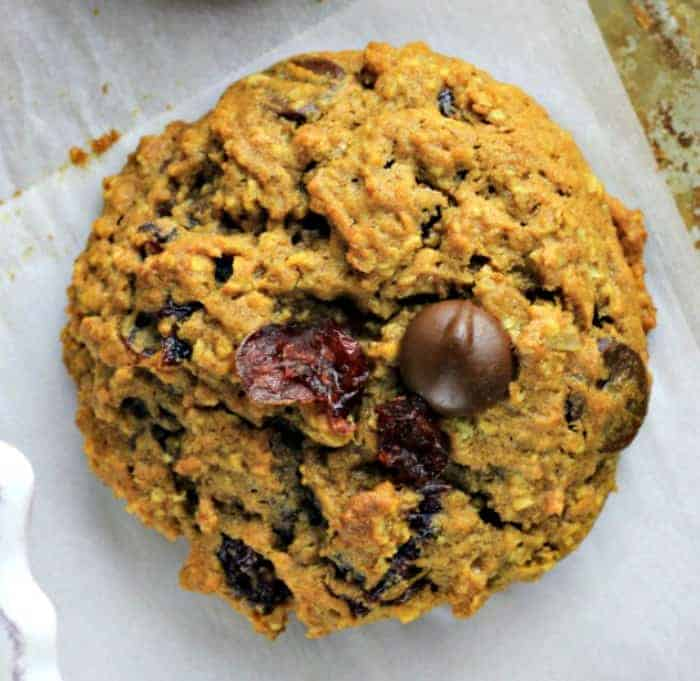 Hearty Pumpkin Chai Spiced Oatmeal Cookies